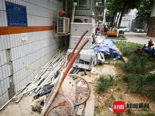 """人民日报:绵阳这个小区供水改造为何成了""""半拉子""""工程"""