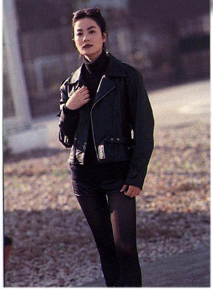 带货天后再出招 想有王菲同款铅笔腿先剁手经典长裤