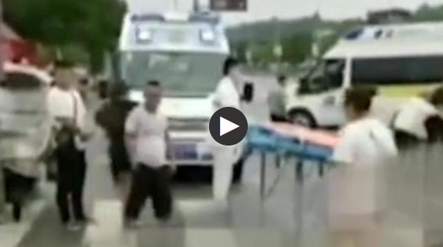 四川江油一重型牵引车与电动三轮车相撞 致1死4伤