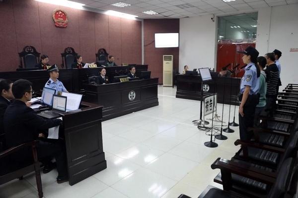 与同事设套骗工程款79万 四川一名科级干部获刑4年半