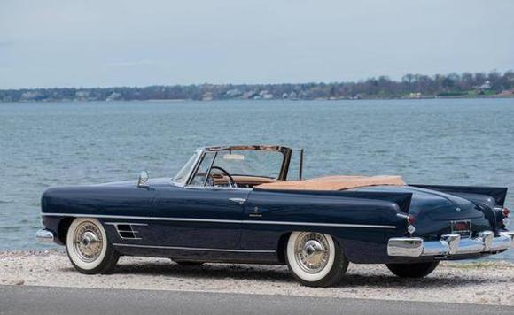 1957年Dual Ghia convertible敞篷车
