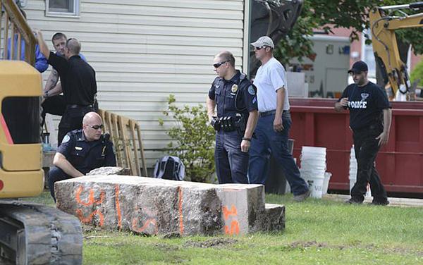 女子失踪近30年 疑遭前男友砌在3吨混凝土块中