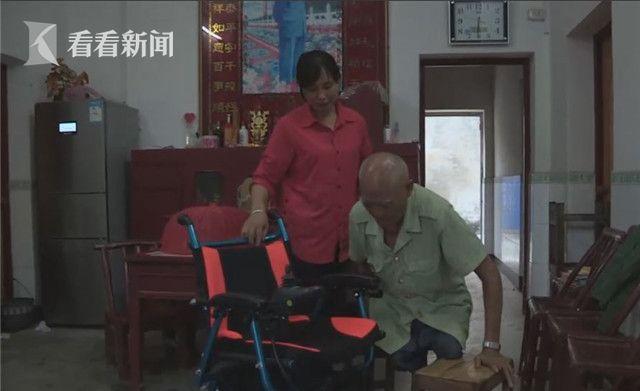 湖北两代三人接力践诺 照顾失腿邻居35年