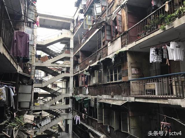 成都红瓦寺老旧鸳鸯楼成摄影圣地 居民被扰很烦忧