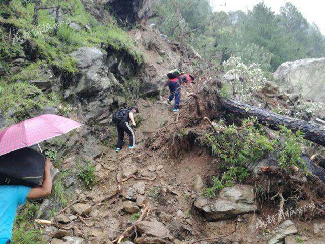 川农学子骑车去西藏 送外卖挣路费曾被困悬崖9小时