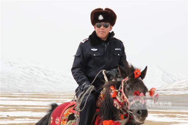 王志刚因公殉职 甘孜州石渠县群众始终忘不了他的好