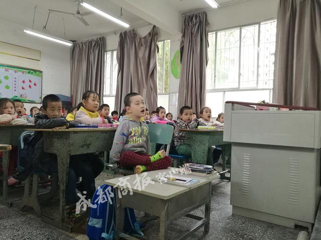 遂宁8岁无臂少年入选自强自立美德少年