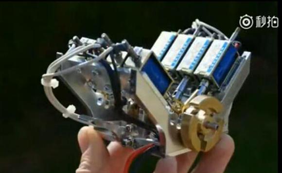 视频:迷你V8电磁发动机启动看下性能