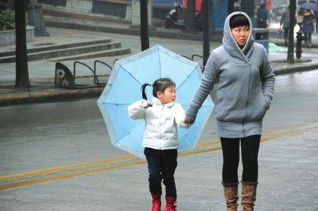 四川今日最低气温6—8℃ 未来两天局地有降雪