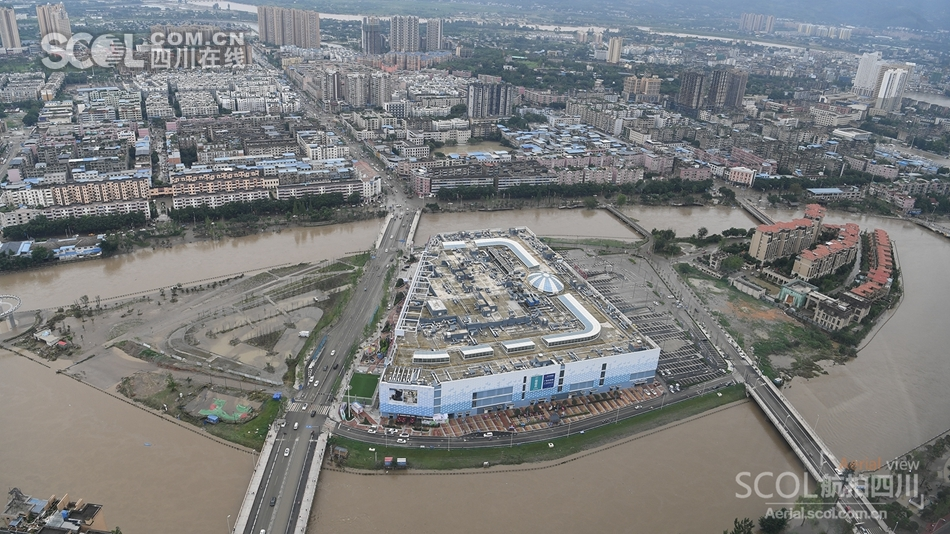 洪水退去 四川多地恢复生产忙