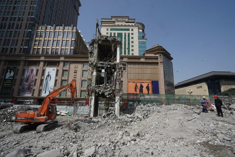 成都老牌商业地标茂业百货地面建筑拆除完毕
