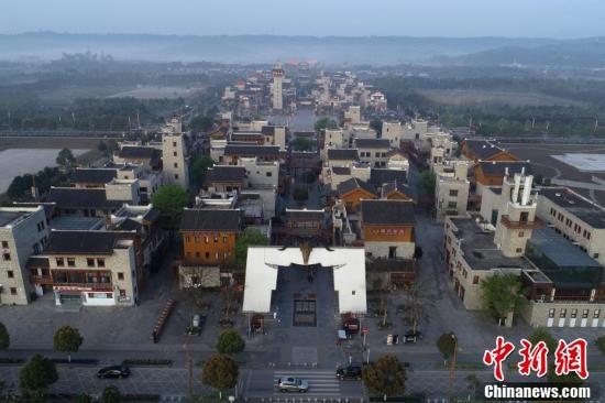 """""""5.12""""汶川地震10周年:航拍震区的春天"""