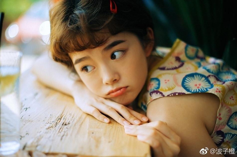 四川高校校花晒精美写真 娇俏可人