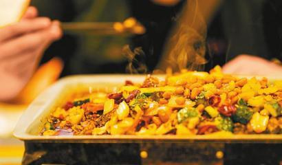 舌尖上的经济 一季度成都餐饮收入255.1亿元