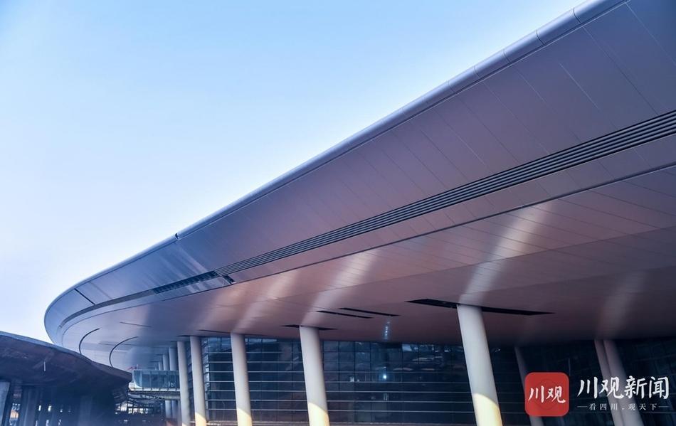走一波美图!天府国际机场航站楼里的点线面