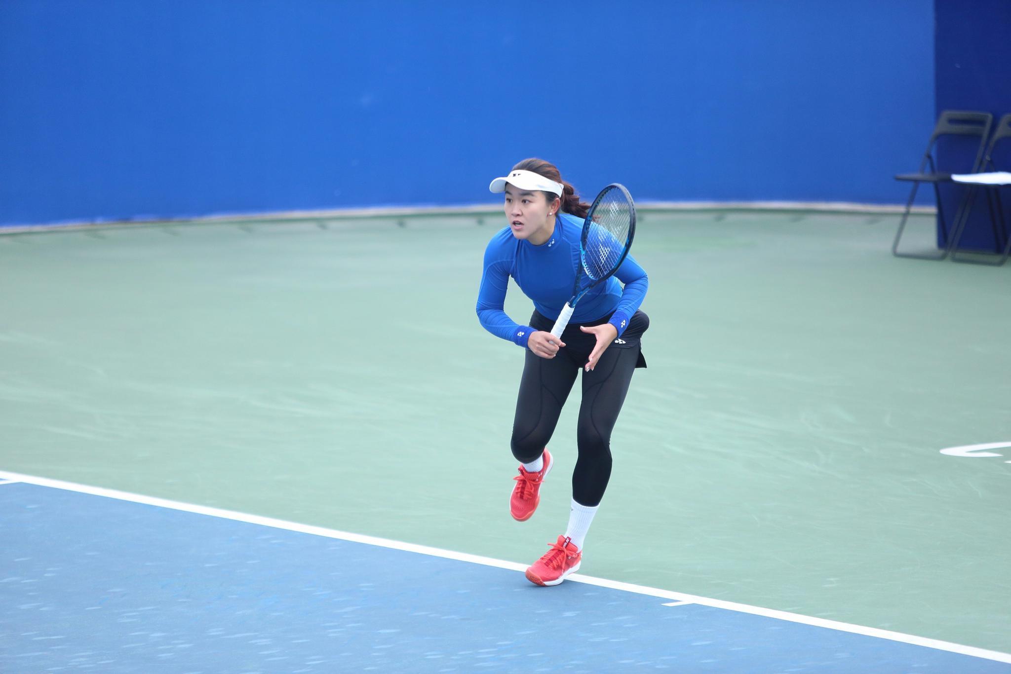 第二个比赛日 荀芳颖险胜孙子玥跻身女单八强