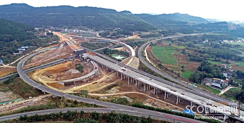 绵西高速建设收尾 今年底全线通车