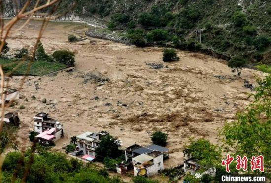 广安、巴中、丹巴多地遭遇暴雨袭击