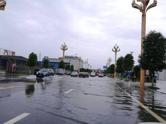 四川盆地已下了今年首场区域性暴雨 5个站点监测到特大暴雨