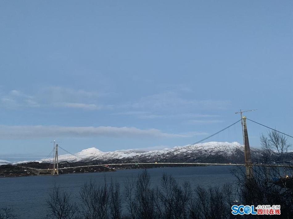 北极圈这座跨径最大的悬索桥将开通 它是四川造