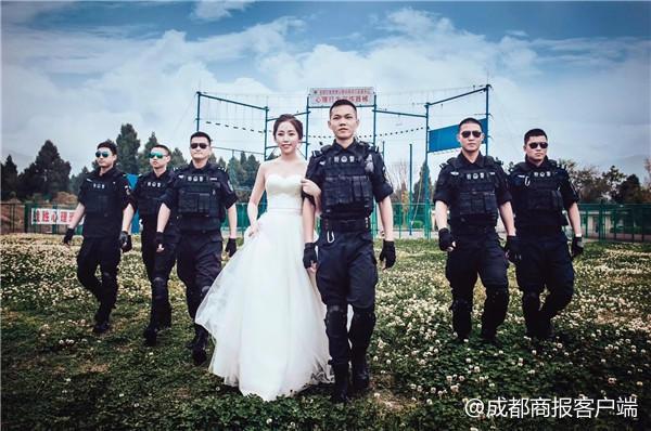 这组婚纱照够特别 美丽新娘身旁站了一群黑超特警