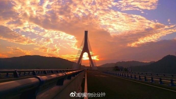 蟠龙山嘉陵江大桥即将通车 大桥美图先睹为快