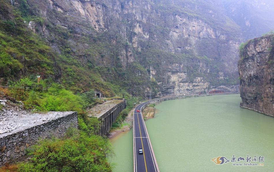 大渡河金口大峡谷:烟波飘缈美如画