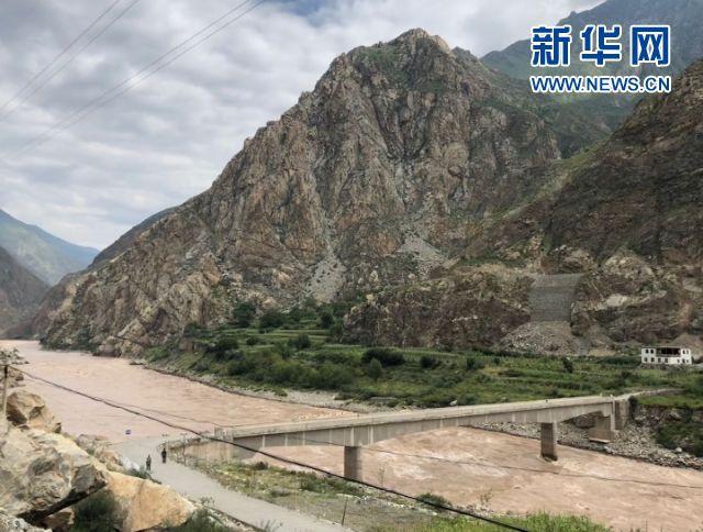 他们 让43户人家的藏村走出26名大学生