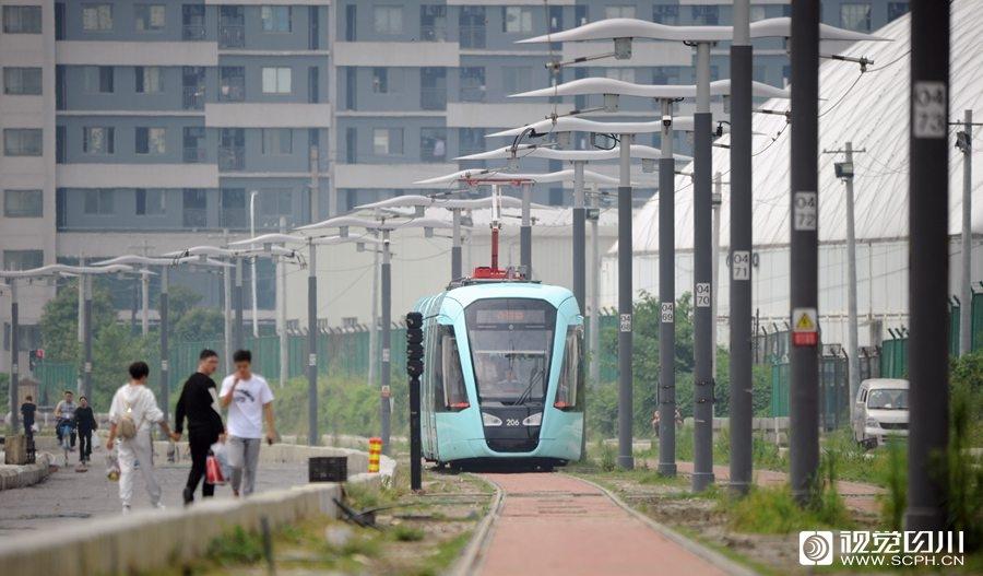成都有轨电车来啦!蓉2号线首开段正式启动动车调试
