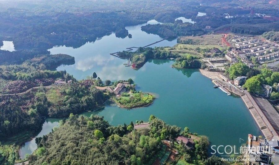 """航拍泸州湿地公园""""水天一色""""美景"""