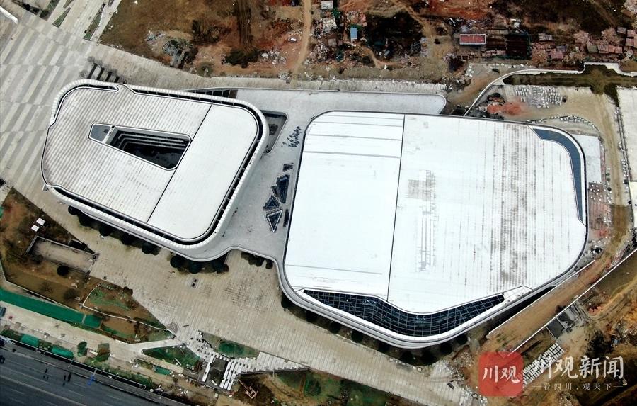 成都高新体育中心加速建设中,预计3月底通过全面验收