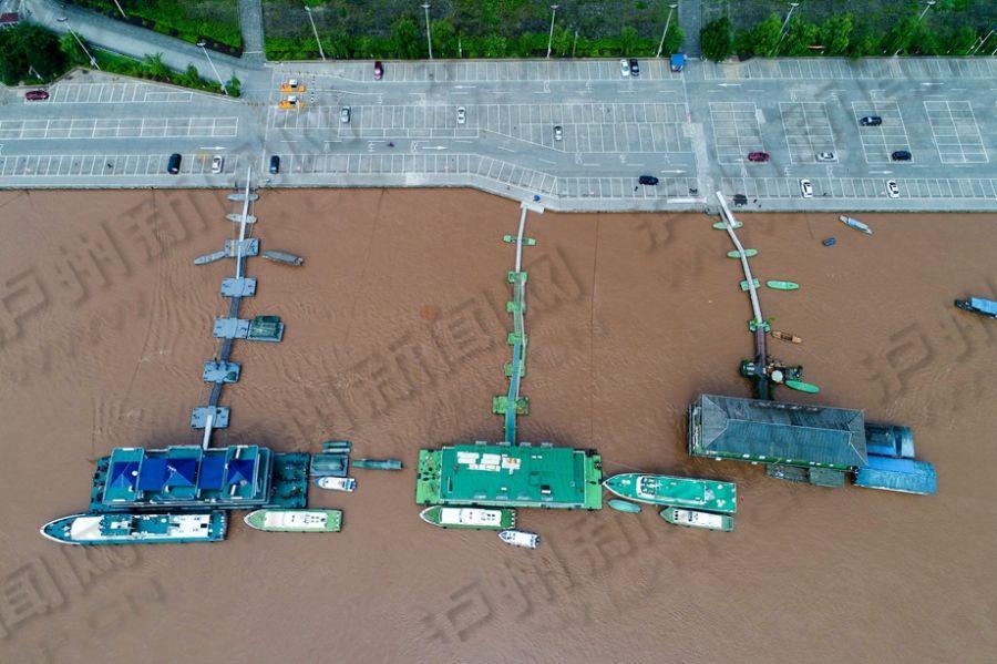 长江泸州段首轮洪峰过境 记者带你鸟瞰现场实景