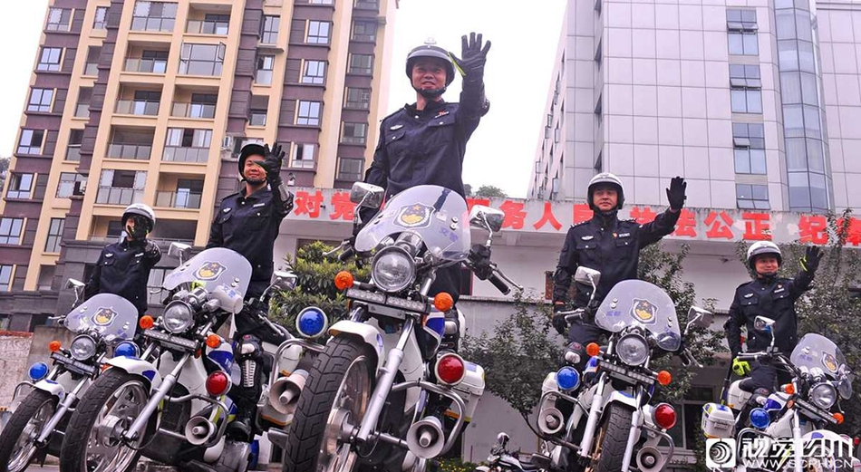 不只是炫技!看成都交警摩托车驾驶技能大比武