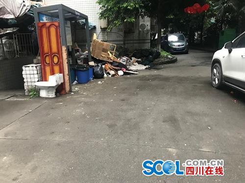 成都锦江区东怡园小区环境脏乱差?记者调查