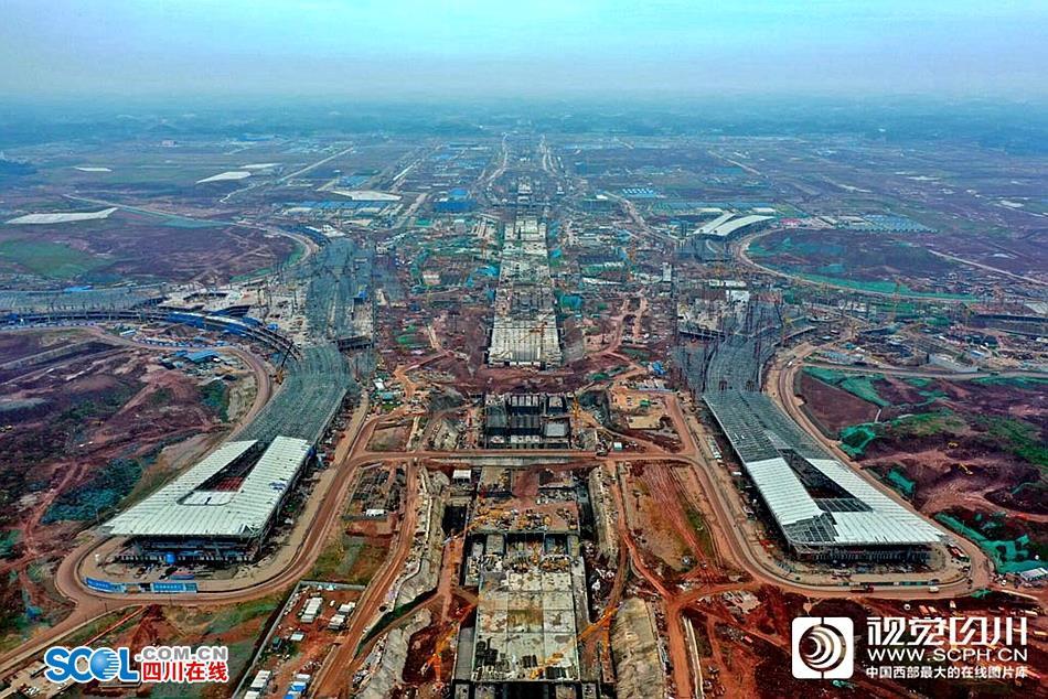 航拍丨天府国际机场T1航站楼主体结构全面封顶