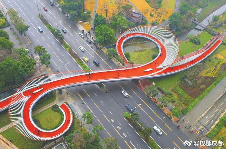 成都绿道节点如意桥:你在桥上看风景 看风景的人在看你