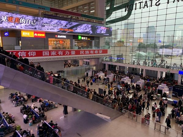 成都茶店子、东站客运站调整开关站时间 200余条客运班线停运