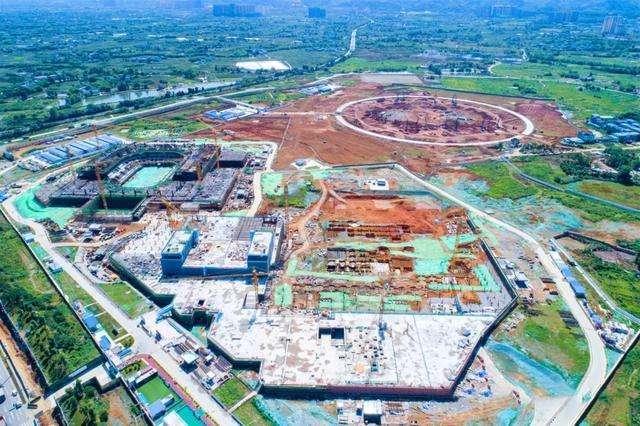 成都东安湖体育中心计划11月底所有主体封顶