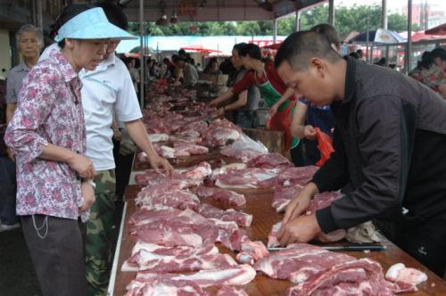 """成都""""猪十条""""权威解读:猪肉如何保供?你关心的都在这里"""