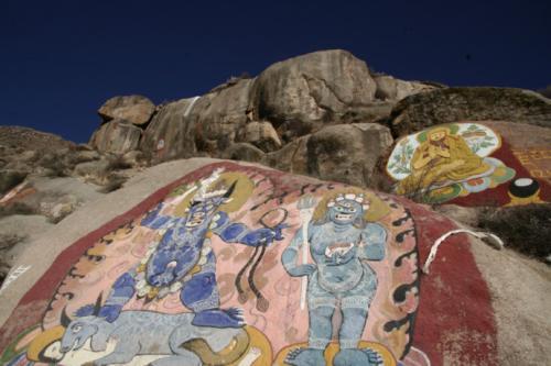 四川藏区发现疑似吐蕃时期摩崖石刻 有望佐证唐蕃古道路网化