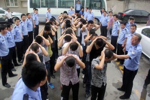 綿陽同一家公司兩名股東鬧矛盾 邀約40人斗毆