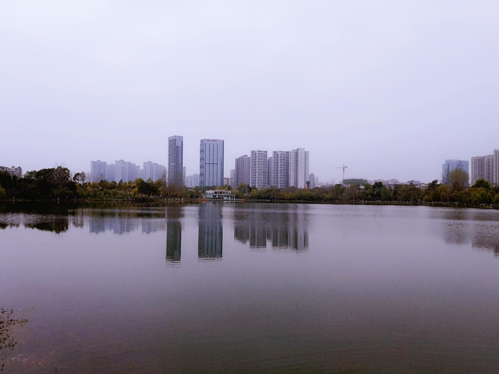 报告称前9月中国百城房价同比涨10.7% 成都珠海涨幅居前