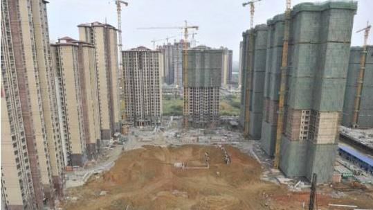 在建商品住房装修合同纠纷协商解决不力 恒大绿地等房企被成都
