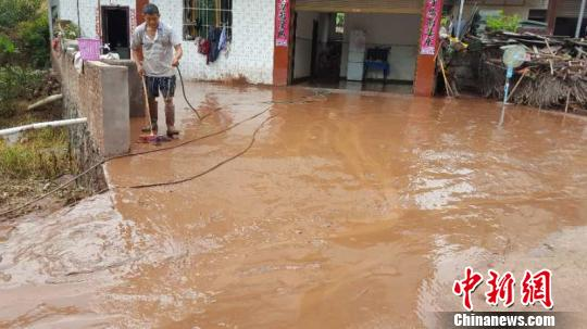 四川屏山暴雨引发洪灾 失联人数上升至6人(图)