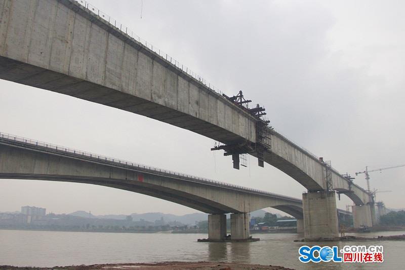 主桥合龙 连乐铁路九峰岷江特大桥预计明年5月完工
