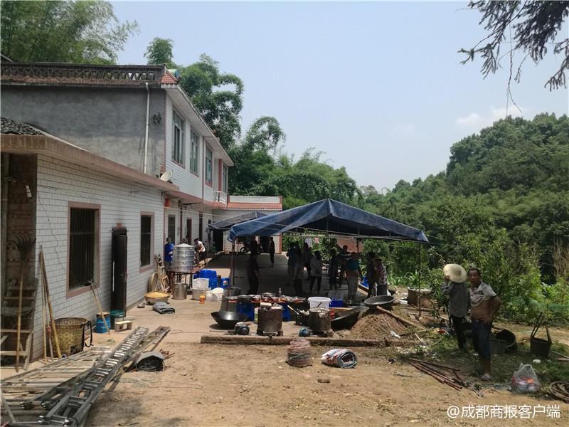 泸州致命沼气池连吞5口人 当地政府将帮扶死者家庭
