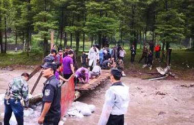 西岭雪山所有滞留游客已安全离开景区