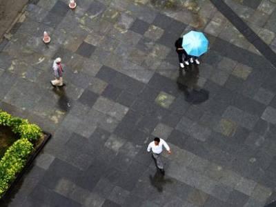 雨水阻断入夏路 16~18日盆地日平均气温下降5~7℃