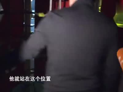 视频丨成都60岁男子藏身游乐场 向女童伸出魔爪