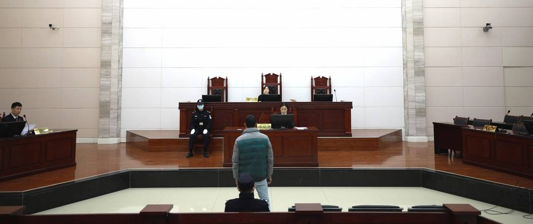 趁朋友熟睡用其微信偷转19400元 遂宁男子被判一年四个月
